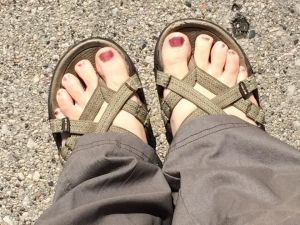 My toes are loving the sun! . . . But it looks like they are in desparate need of a fresh mani, eek!